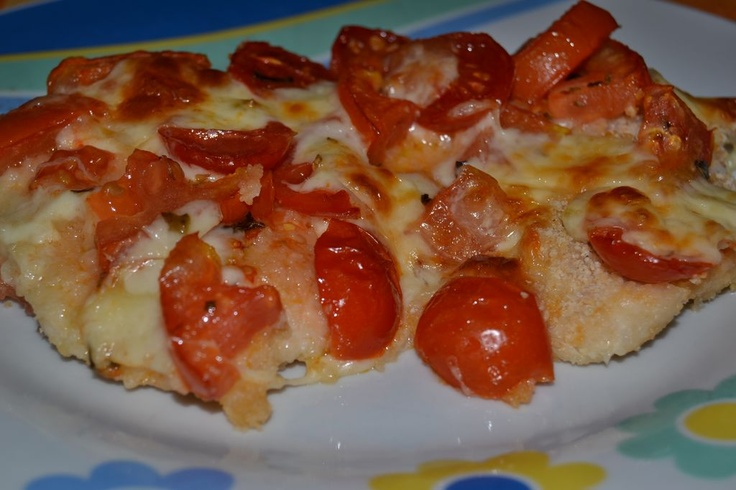 Petto di pollo con pomodorini cotto al forno