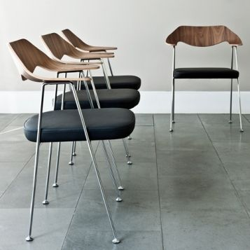 9 best images about iconiques on pinterest ceramics studios and lamps - Chaise robin day habitat ...