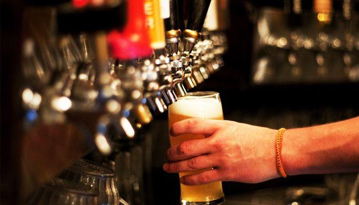 Separamos algumas cervejas com o teor alcoólico acima de 8% pra você experimentar!  continue lendo em 10 cervejas fortes que você precisa experimentar