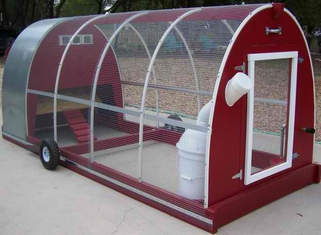 wheeled chicken coop | ... -raised-garden-beds-and-chicken-coop-and-chicken-tractors-buckner.jpg