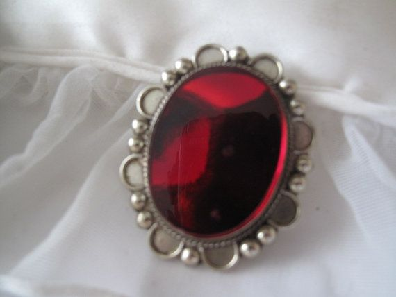 Silver Red Granite : Vintage silver brooch with red stone from mexico