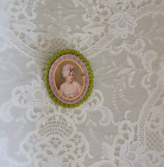 felt portrait brooch - green and lilac felt pin broach - lady portrait - mothersday gift  - gift for her - museum painting brooch