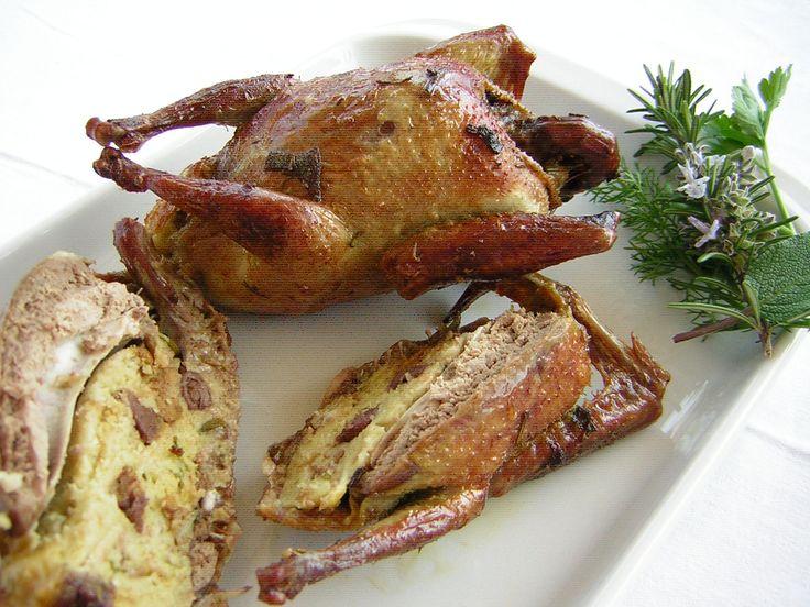 Piccioni ripieni ricetta umbra: un ottimo modo di cucinare questo volatile perché le carni rimangono morbide e saporite e l'aggiunta del