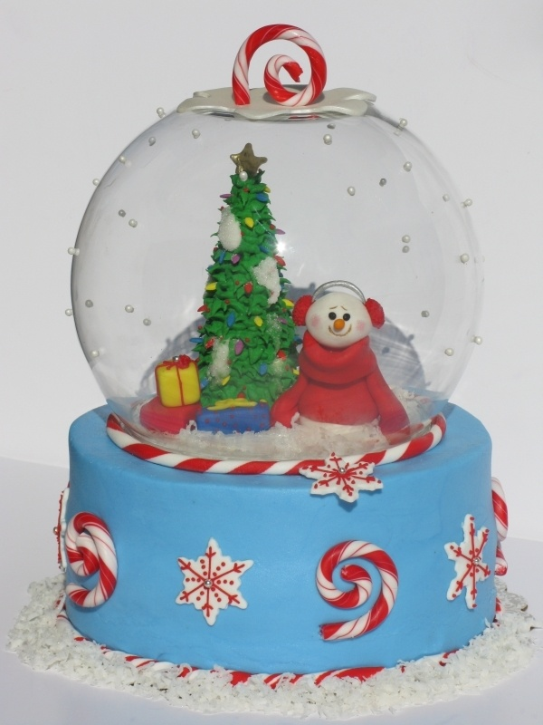 Another adorable snow globe Christmas cake by kdhjth on cakecentral.
