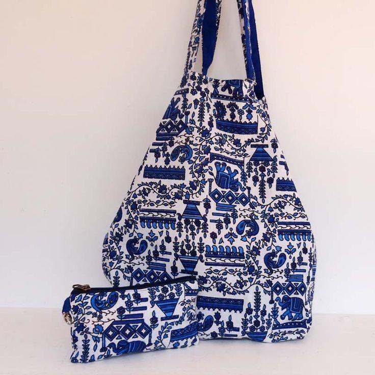 Sac cabas en coton bleu et blanc, doublé coton bleu uni . shopping bag : Autres sacs par akka-accessoires