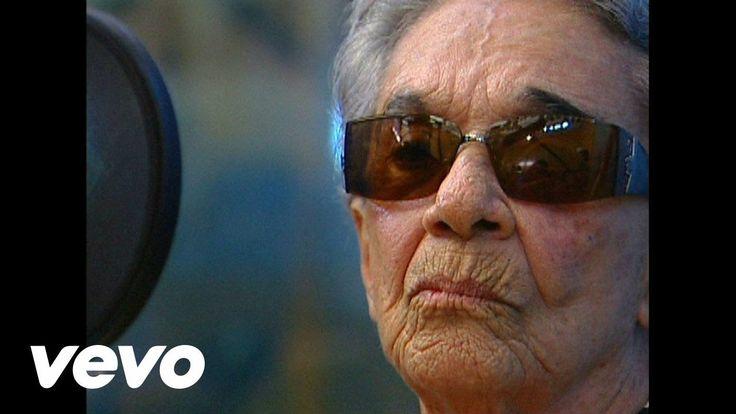 Chavela Vargas - Las Simples cosas - YouTube