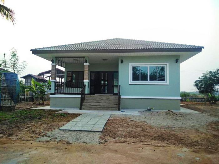 5 Small Bungalow House Designs With A Budget Starting 200 000 Bath Or 6 300 Dollars Small Bungalow House Plan Gallery Brick House Designs