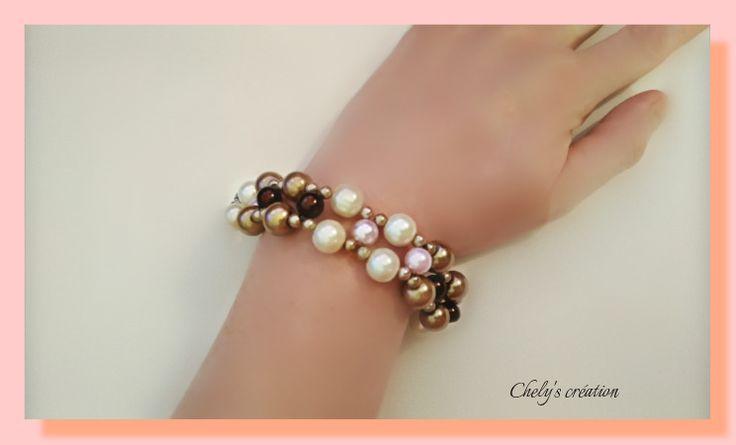 bracelet en perles nacrées écru marron glacé marron foncé rose et perles de rocaille crème : Bracelet par chely-s-creation
