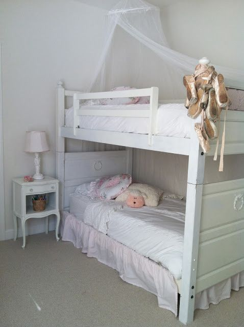dreaming shabby chic more of luna 39 s bedroom bunk beds