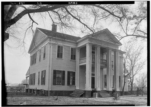 Cochran House built in 1834, Crumptonia, Dallas County, Alabama, United States, 1934, photographer unknown, photographed for the Historic American Buildings survey.