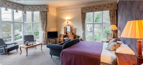 17th century inn situated beside Rydal Water overlooking Dora's Field. Stay at the Glen Rothay Hotel & Badger Bar, Rydal. www.iknow-lakedistrict.co.uk