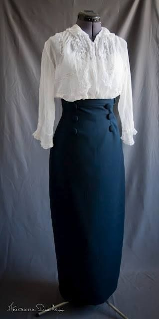 1910 Daywear, high fitted waistline and baptiste blouse