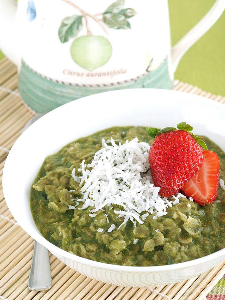 Matcha Green Tea and Banana Oatmeal | The Breakfast Drama Queen