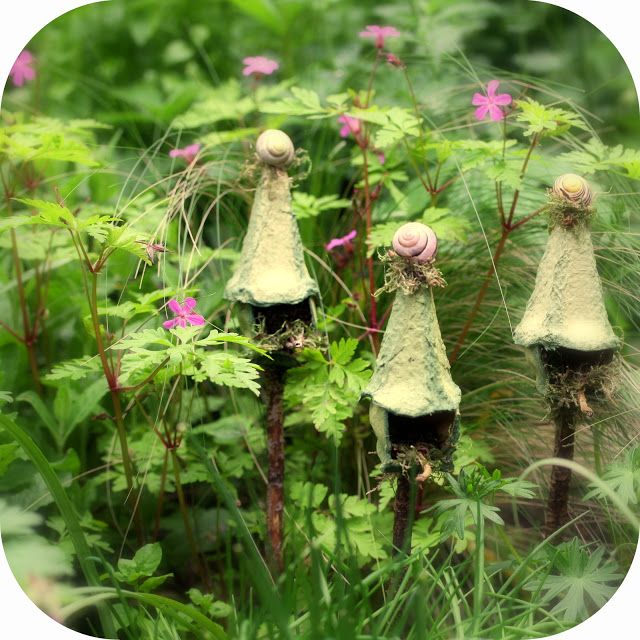 My new idea of creating these fairy (bird-)houses made me so very happy this week! For a while I had been thinking about a way to recyc...