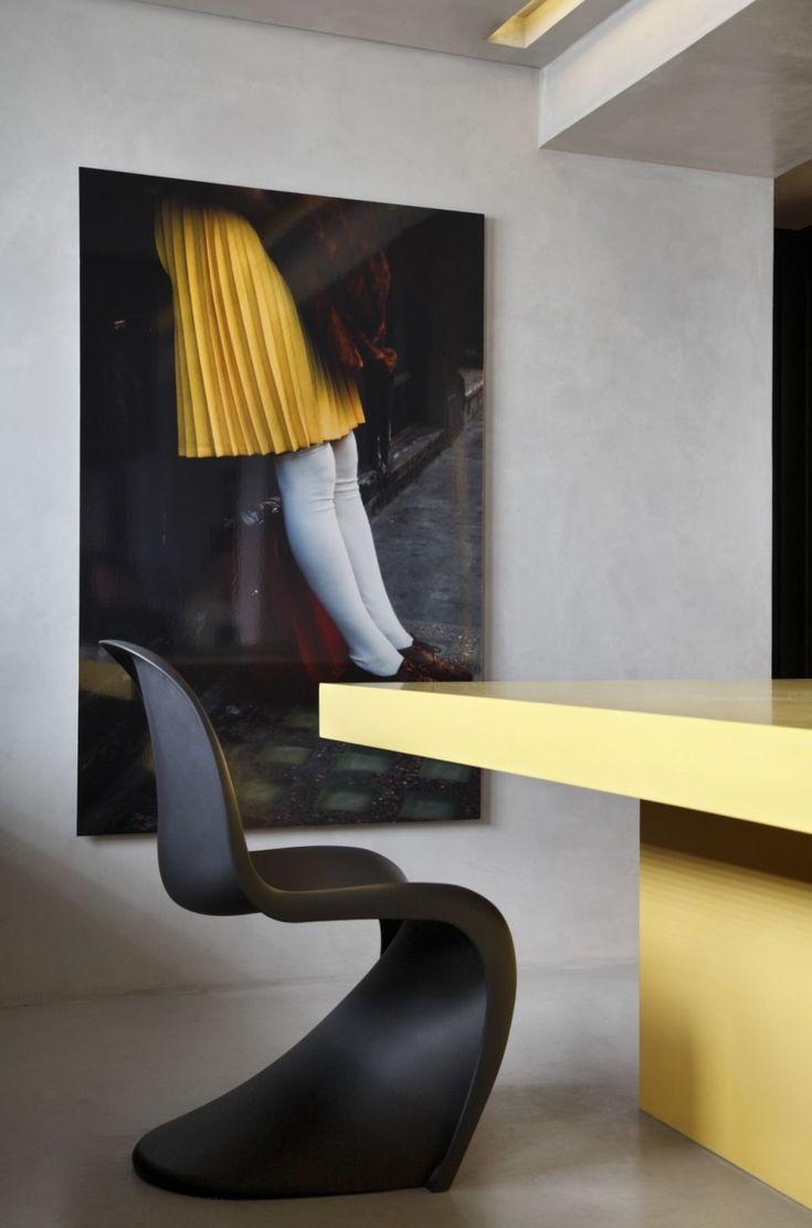 ✭: Studios Guilherm, Verner Pantone, Scandinavian Design, Pantone Chairs, Fj Houses, Interiors Design, Guilherm Towers, Dining Spaces, Contemporary Apartment