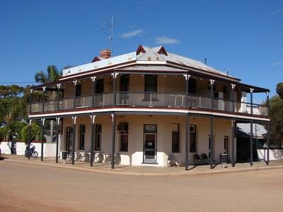 MERREDIN | Western Australia http://www.wanowandthen.com/merredin.html