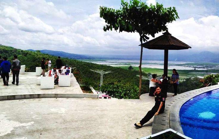 Wisata Eling Bening, Menikmati Keindahan Rawa dan Gunung