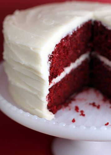 Red Velvet Cake 2 1/2 cups all purpose flour 2 cups sugar 1 Tablespoon cocoa 1 teaspoon salt 1 teaspoon baking soda 2 eggs 1 1/2 cups oil 1 cup buttermilk 1 Tablespoon vinegar 1 teaspoon vanilla 2 oz. red food coloring