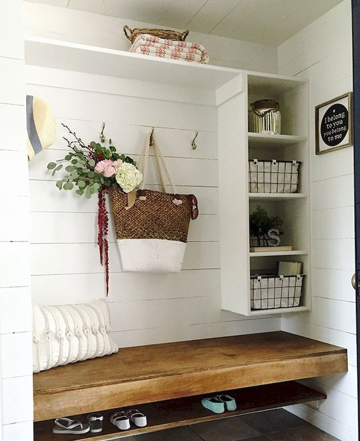80 modern farmhouse mudroom entryway ideas