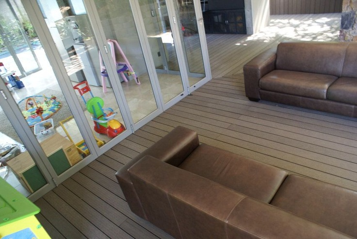 Eva-tech Aruna #deck and entertainment area. http://www.eva-tech.com/en/