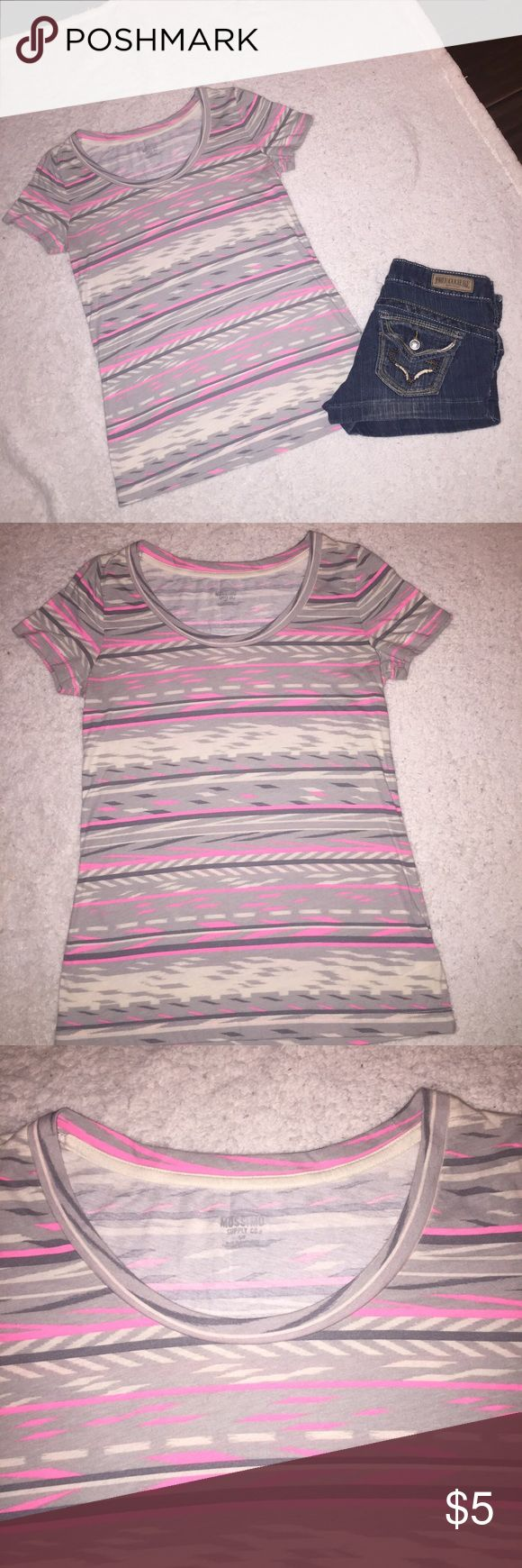 🔴4 FOR $10🔴MOSSIMO BOHEMIAN SCOOP NECK T-SHIRT S VERY CUTE BOHEMIAN T-SHIRT BY MOSSIMO.  BEAUTIFUL PASTEL COLORS.  IN EXCELLENT CONDITION. 💖IM HAVING A SALE!  EVERYTHING $10 AND UNDER IS 4 FOR $10.  EVERYTHING $20 AND UNDER IS 3 FOR $20.  PLEASE FEEL FREE TO ASK QUESTIONS!💖 Mossimo Supply Co Tops Tees - Short Sleeve