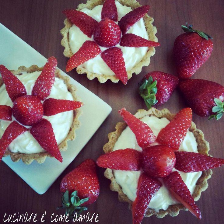 Crostatine fragole e yogurt greco | cucinare è come amare