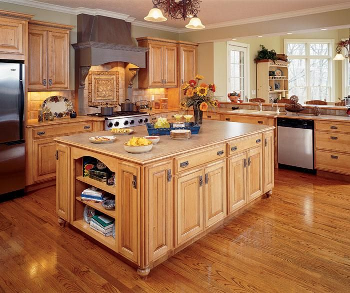 Kitchen With Light Maple Cabinets And Dark Countertops: Maple Kitchen Cabinets, Rustic Kitchen