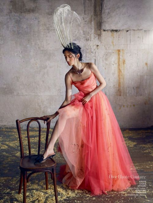 Cici Xiang Yeling photographed by Benoit Peverelli for Elle China April 2017 Stylist: Wang An Hair: Benedicte Cazau Beret Makeup: Mikael Noiselet #inspiration #blog #blogger #tumblr #fashion #style #models #photography #vogue http://www.midnight-charm.com/
