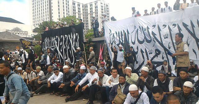 Yang Bertentangan dengan Pancasila itu Komunis Bukan Ormas Islam yang Menyuarakan Khilafah