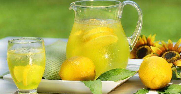 Все кто страдает от лишних кило, советую этот чудо напиток! За день вполне можно похудеть от 1кг до 1,5кг!!! Япохудела на 30 кг за месяц! Хотя для этого ничего особого не делала, просто пила вечером этот напиток. – корень имбиря – 1 штука длиной 10 см – красные яблоки – 10-12 штук – цедра и сок 2-х лимонов – натуральный мед по вашему вкусу – 1-2 палочки корицы – вода 4-5 литров Этот напиток не только насыщает организм полезными веществами, витаминами и микроэлементами, но и позволяет уйти…