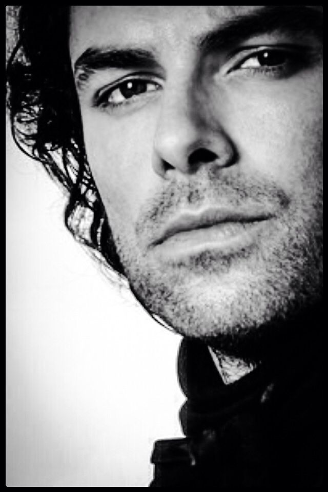 Aidan Turner his eyes!!