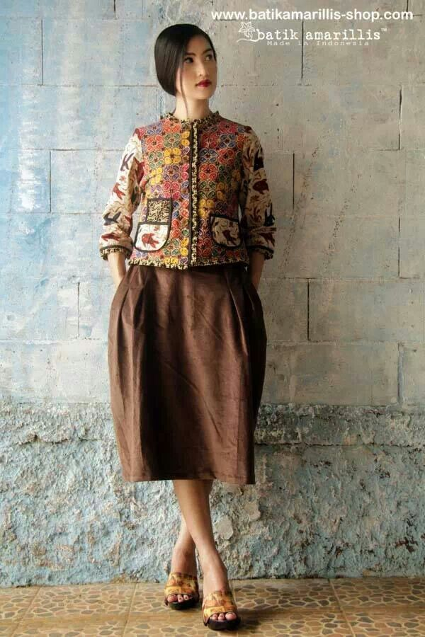 Batik amarillis parisian walkways jacket&skirt