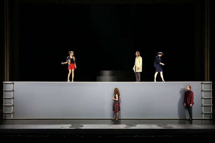 Revolving Stage for Arthur Millers´ All my Sons for Staatstheater Braunschweig, Germany Stagedesign by Sebastian Hannak