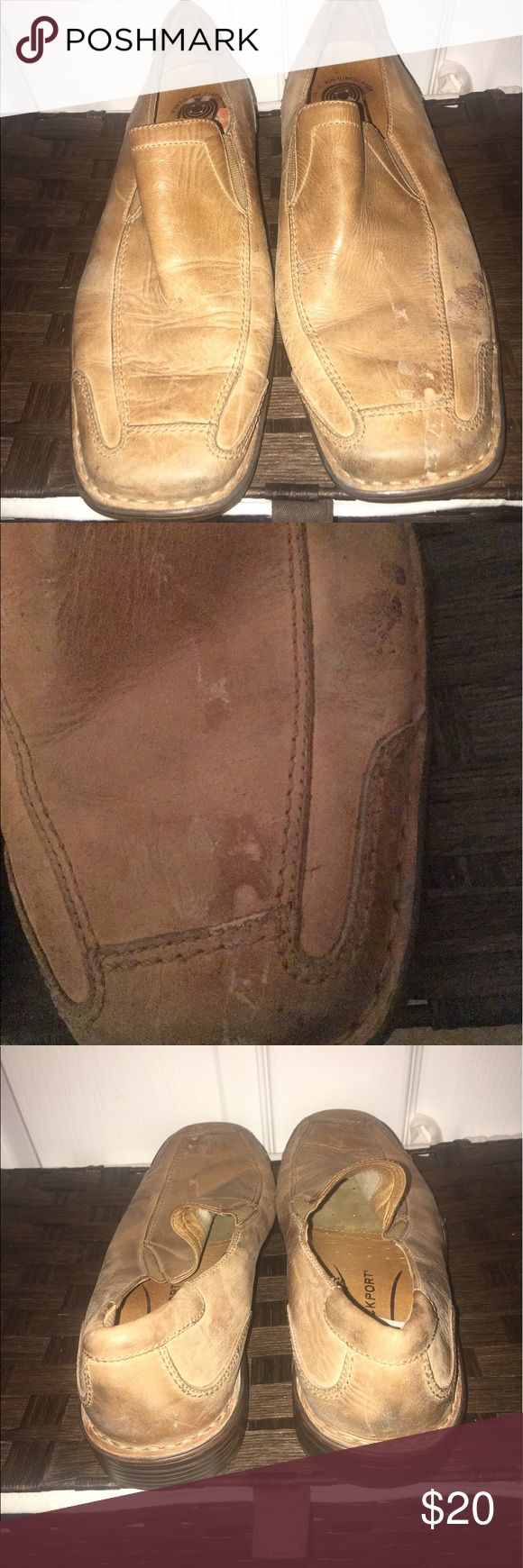 ROCKPORT SHOE Very comfortable needs cleaning but still in good condition Rockport Shoes Loafers & Slip-Ons