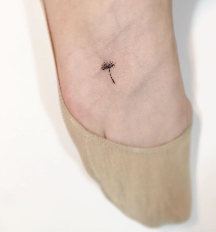 25 Tattoos So Tiny Your Mom Won't Even Notice Them. If you're looking into getting a small and simple tattoo, you have come to the right place for inspiration. Playground Tattoo is a talented tattoo artist based in Korea who specializes in minimal tattoos. His work is so delicate, it might even motivate you to book a flight to Korea for a tattoo appointment.