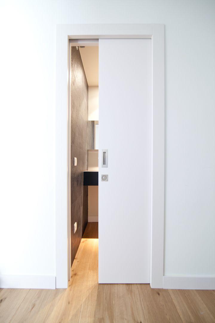 Puerta blanca lacada