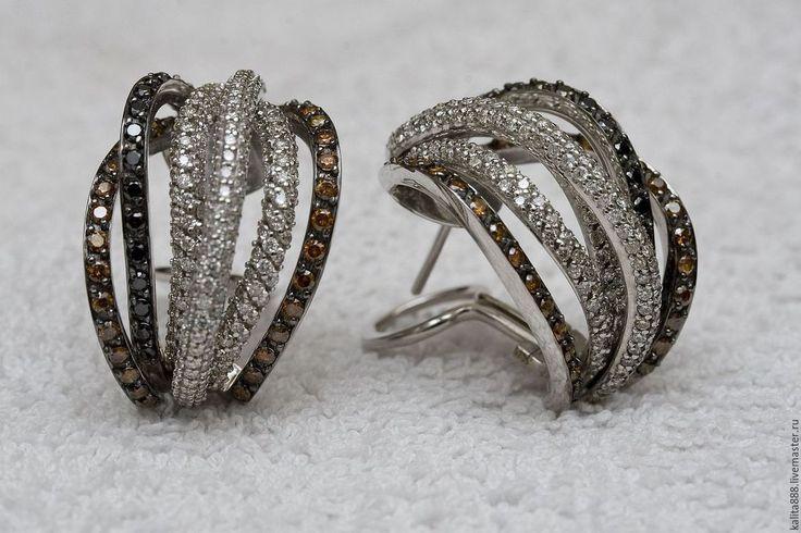 Серьги из белого золота 750 пробы весом 8,2 грамма бриллианты белые 190шт весом 1,1 карат бриллианты коньячные 72 шт весом 0,7 карат бриллианты четные 30шт вес 0,3 карата Очень красивые и нарядные серьги подойдут и на каждый день и на торжественный выход ведь в этих серьгах больше 2 карат бриллиантов #коньячныебриллианты #серьгисконьячными бриллиантами #черныебриллианты #серьгисцитринами #серьгисбриллантаминазаказ #серьги #серьгиручнойработы #серьгисбриллиантами #серьгиназаказ…