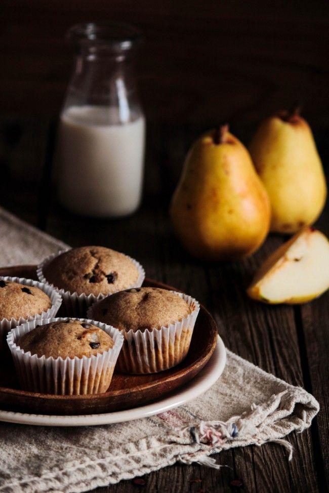 Muffins αχλαδιού με κομματάκια πραλίνας | InfoKids