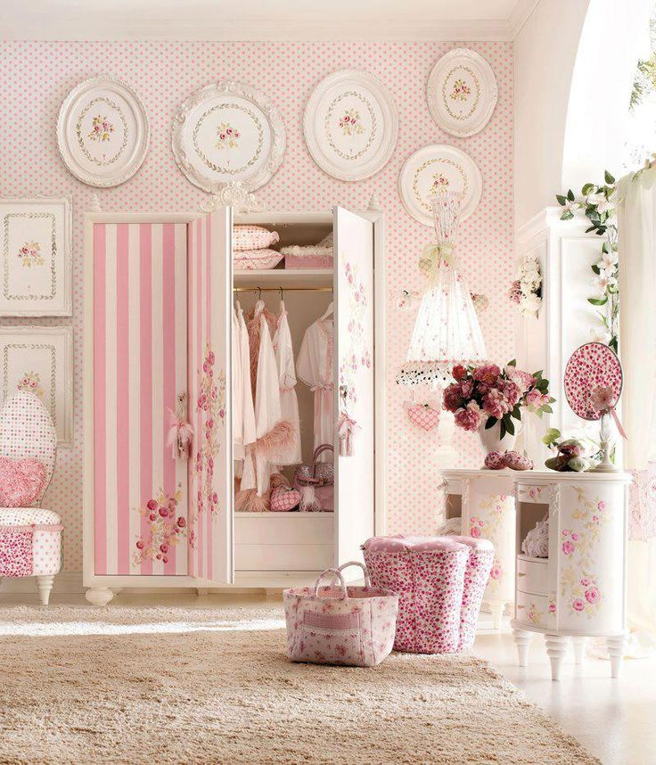 Shabby Chic Decor for a baby girl... Love the stripes mixed in with florals,