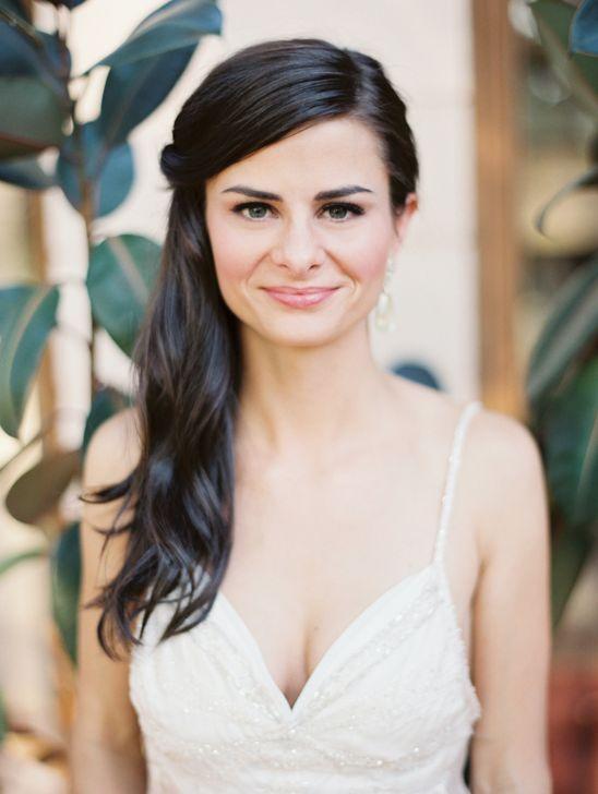 Wedding hair idea and natural make up bridal look. #bride #weddinglook #weddingchicks Captured By: Erich McVey Photography ---> http://www.weddingchicks.com/2014/04/24/the-gordon-house/