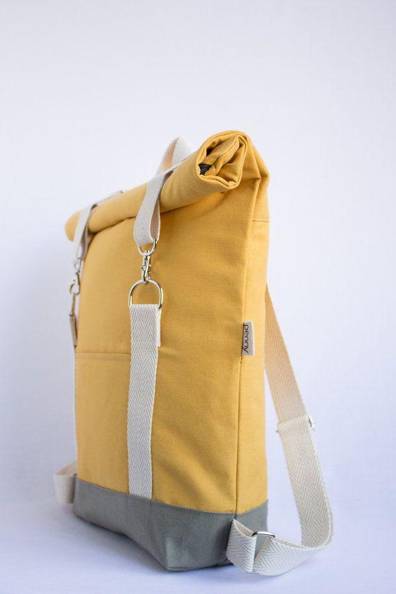 Rolltop mochila. Lona de algodón ligero amarillo mostaza.