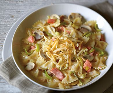 Pasta with Smoked Havarti, Salmon and Leeks #pasta