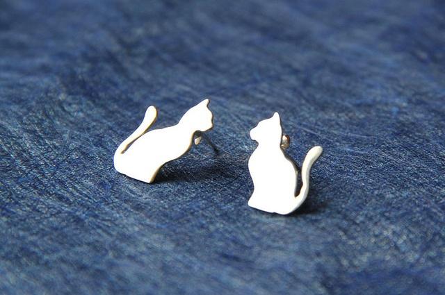 Topos de Gatos / Cats Studs by Silvia Ardila Joyería Contemporánea
