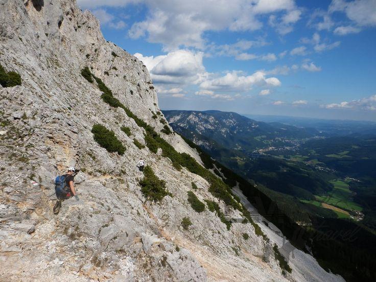 Epicky zachycený sestup z vrcholu Preinerwand v pohoří Rax.