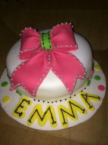 Emma's Cheer Bow cake