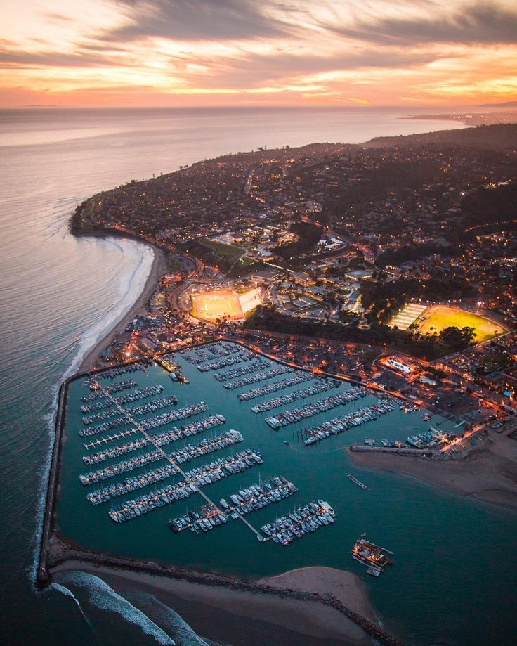 There's no better place to view a Santa Barbara sunset. Take a sunset helicopter tour with Nanco Helicopters. (Image via instagram fan sir.brendan)