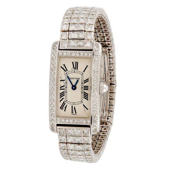 Montre Cartier Tank en diamants vintage en vente sur 1stdibs http://www.vogue.fr/joaillerie/carnet-d-adresses/diaporama/1stdibs-la-haute-joaillerie-vintage-vente-en-ligne/20008#!montre-cartier-tank-en-diamants-vintage-1stdibs