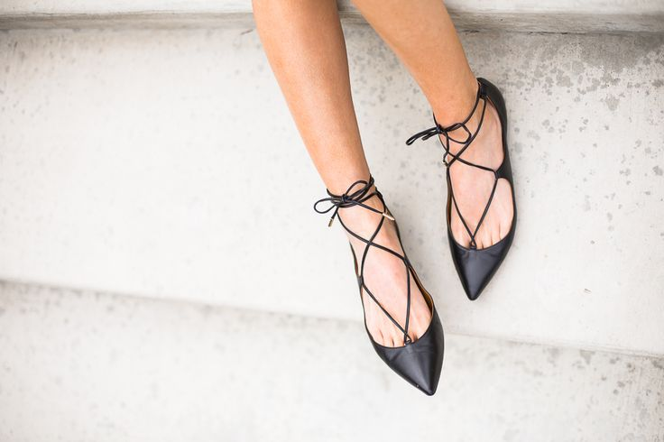 . More Shoes, Ballet Flat, Fashion, Accessories Clothing, Shoes Lovers, Styles, Minimal Chic, Bags, Shoes Style Ballet flats flats. #shoes #style