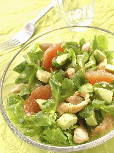 Salade de poulet pamplemousse et avocat - Recette de cuisine Marmiton : une recette