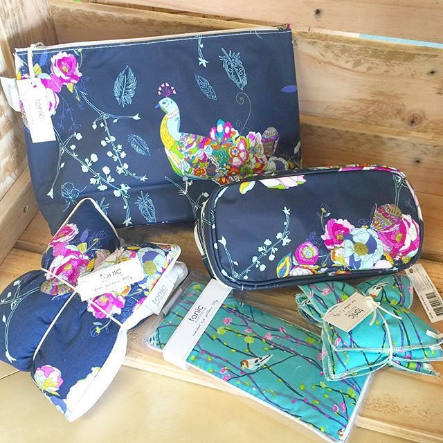 Tonic products are currently discounted by 30%! They have gorgeous lavender scented heat pillows and their items come in such lovely designs! Would make the perfect gifts for a mum, sister or friend. ❤️ www.littlemai.com.au #littlemai #goldcoast #birthdaygift #heatpack #toiletrybag #eyepillow